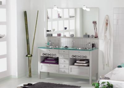 Meuble-salle-de-bain-bois-peint